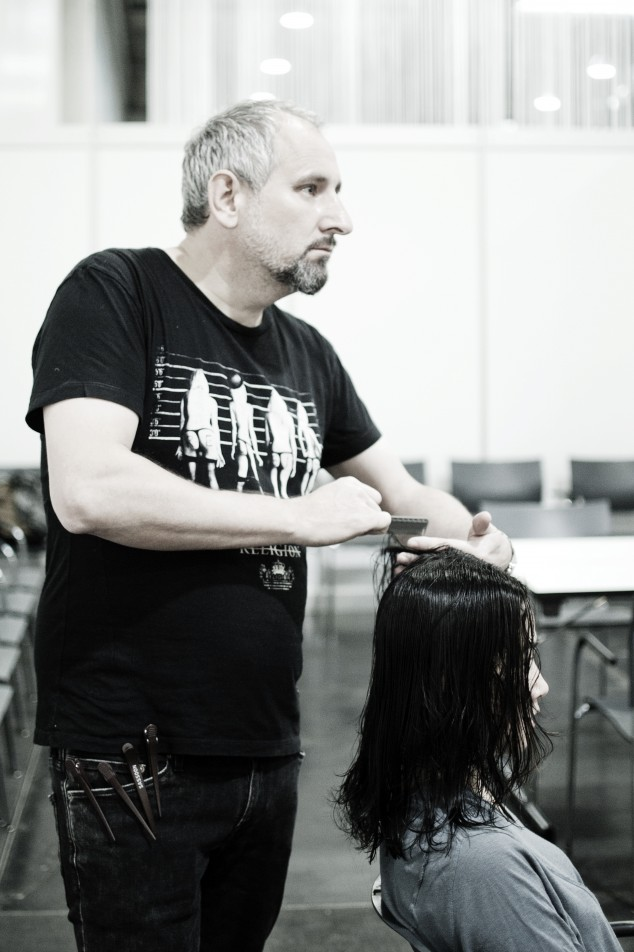 HAIR_2014_Backstage_039